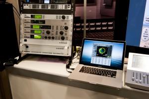 2010年11月のAES CONVENTIONでデモンストレーションされていたLM2(1Uラックマウント)と、タッチ・パネル式のスタンドアローン・ラウドネス・メーター、TM7/TM9