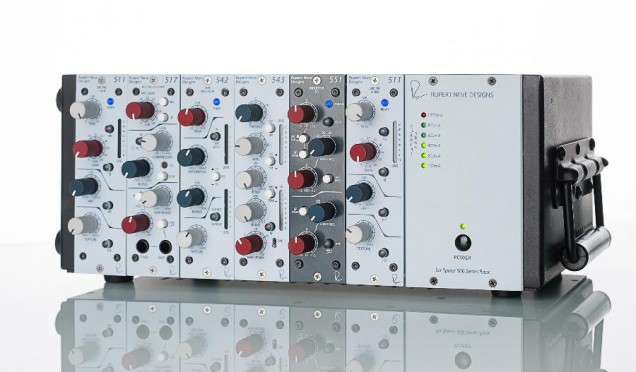 r6-rack-3-1800x1054